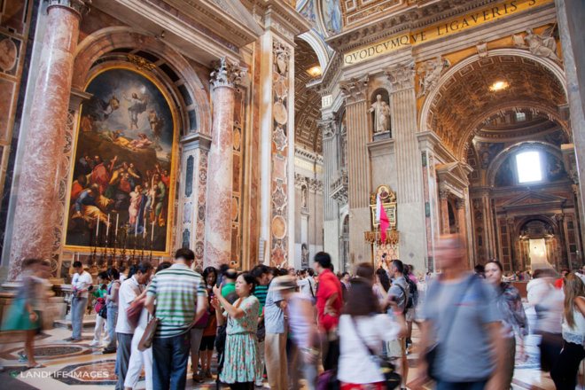 Crowds in the Vatican
