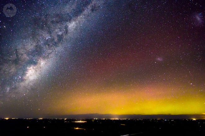 Aurora Australis and the Milky Way, as viewed from Mt Hutt, New Zealand